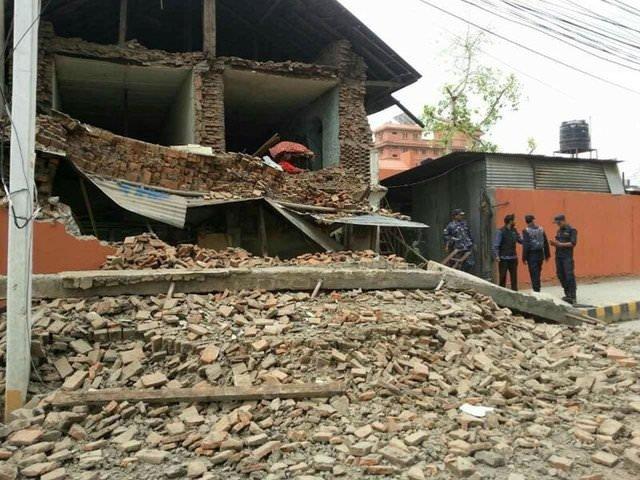 Nepal'deki depremden ürküten kareler