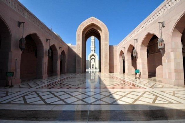 Umman'ın ihtişamlı camisi