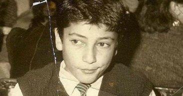 Yakışıklı oyuncunun çocukluk fotoğrafı ortaya çıktı!