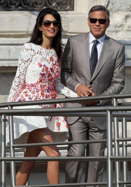 George Clooney eşine şato aldı!