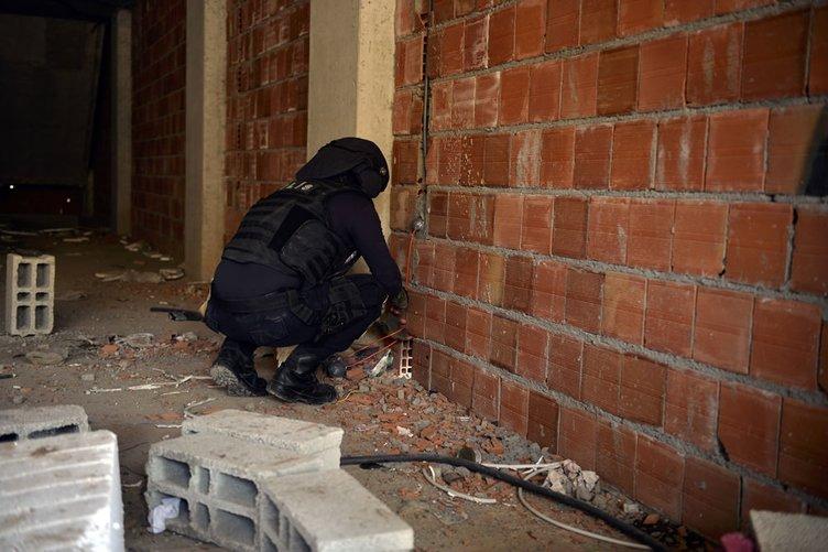 Nusaybin'de el yapımı patlayıcılar imha ediliyor
