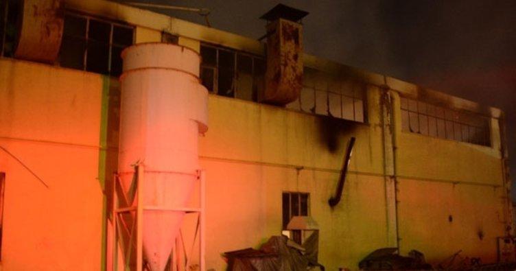 Eskişehir'de kağıt fabrikasında yangın