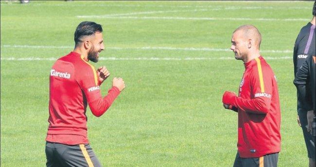 Sneijder var, Lens yok