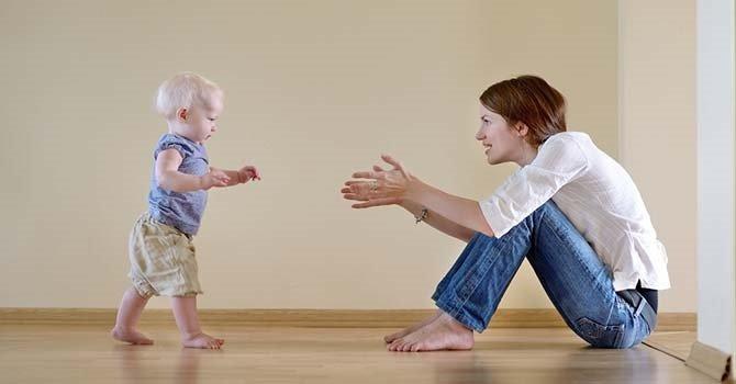Bebekler ne zaman yürümeye başlar?