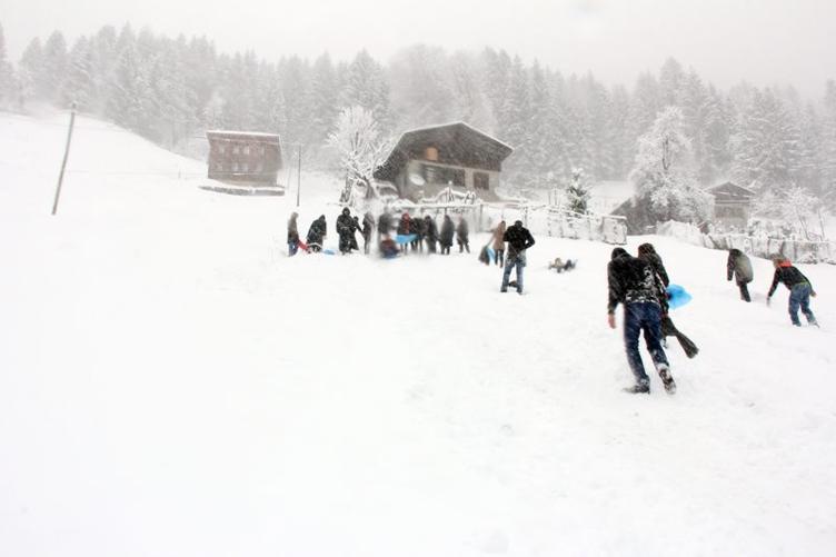 Ayder Yaylası'nda kar keyfi