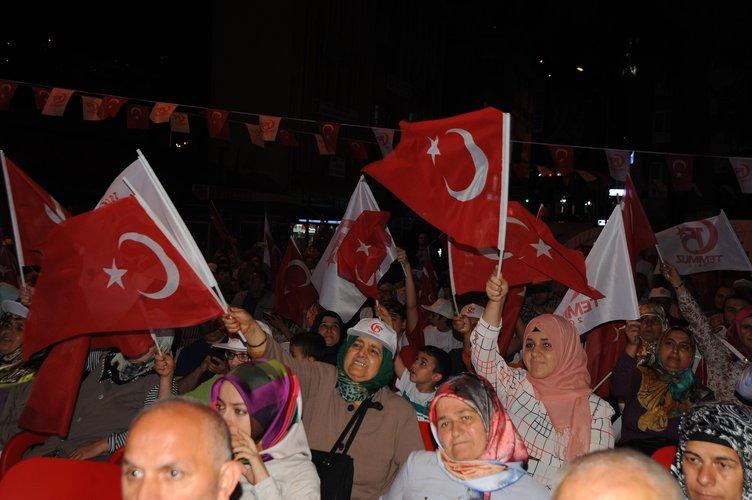 Vatandaşlar yurt genelinde 'demokrasi nöbeti'nde