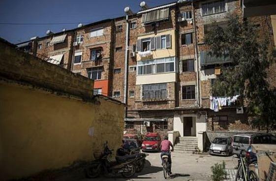 Arnavutluk'un tarihe tanıklık eden binaları