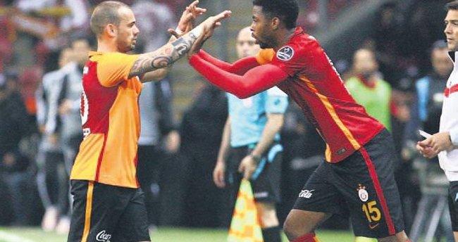 Donk'u Sneijder aldırdı