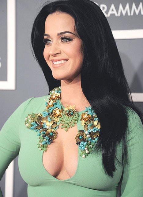 Sıla ile Katy göğüs göğüse