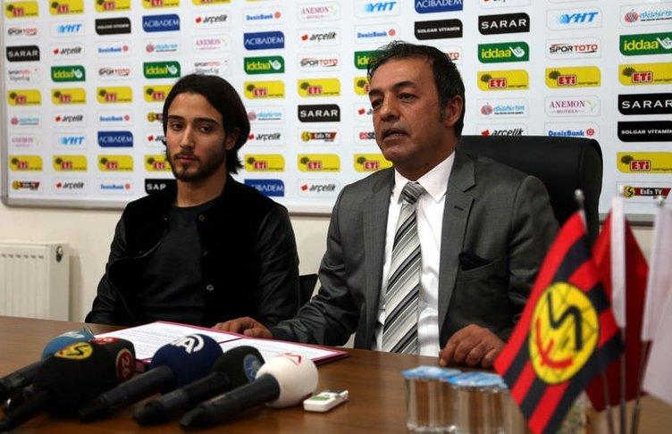 Tarık Çamdal, Eskişehirspor'da kaldı