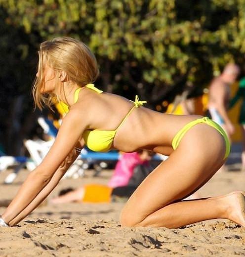 Amy Willerton kumsalda yoga