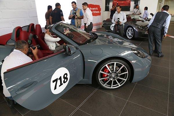 Porsche Bahreyn'de yeni modellerini tanıttı