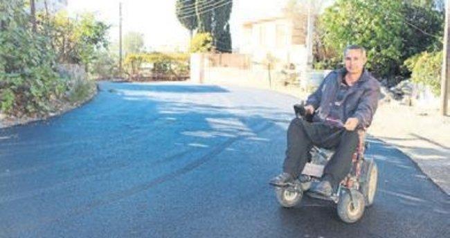 Engelli Aktaş'ın asfalt yol sevinci
