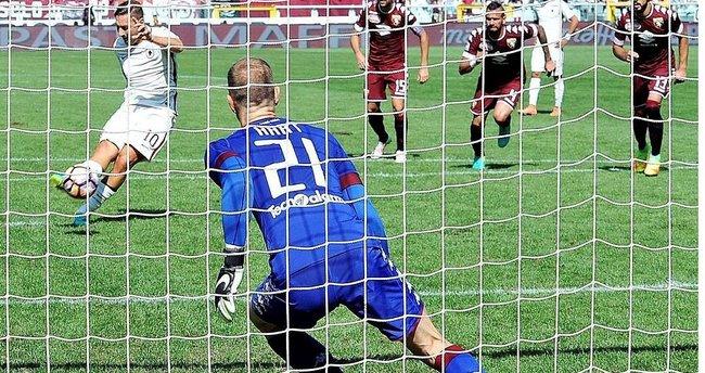 Totti, ligdeki 250. golünü attı