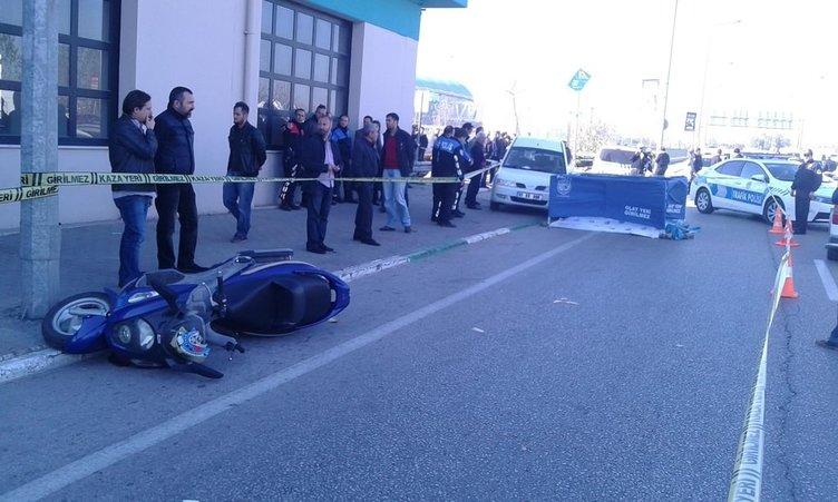 Motosikletli polis, kamyonun altında can verdi