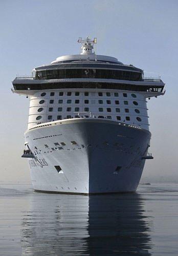 Dünyanın en büyük üçüncü yolcu gemisi