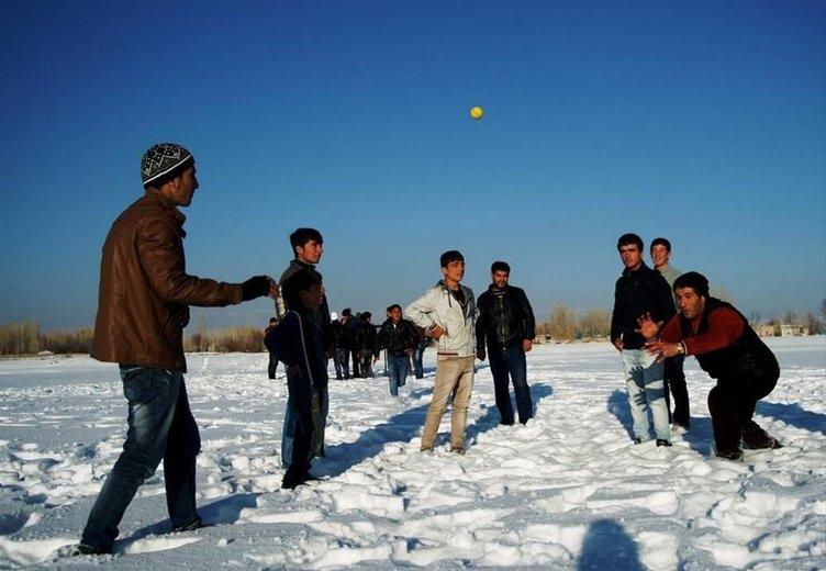 Van'da yerli beyzbol