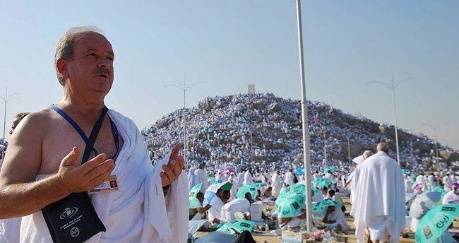 Türk hacı adayları Arafat ovasına çıktı!