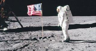 Ay'a gerçekten gidildi mi?