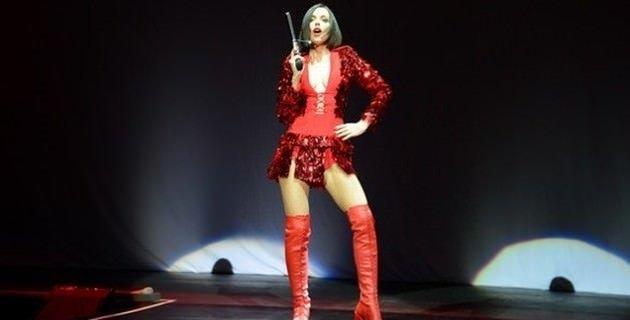 Gülşen'in konsere silahla çıkmasına büyük tepki!