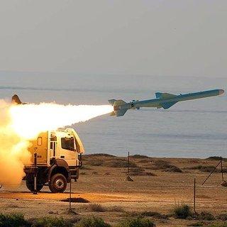 İran`dan Suriye`ye füze saldırısı!