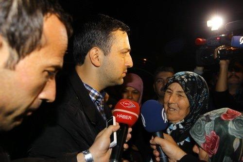 Polis memuru Nadir Özgen özgürlüğü anne yemekleriyle kutladı