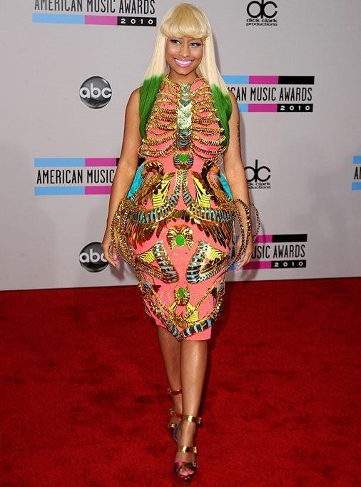 Nicki Minaj da bir zamanlar garsonluk yapmış