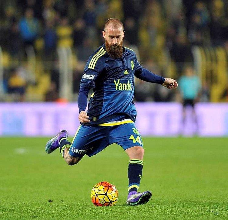 Fenerbahçe'deki 10 yolcuyu açıkladı