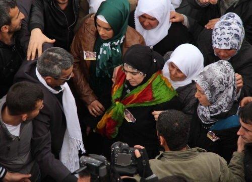 3 PKK'lı kadının cenazesi toprağa verildi