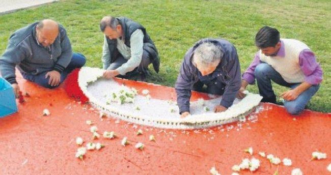 Anıtkabir'e 150 bin çiçek