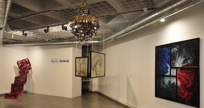 Sanatçı Deniz Sağdıç'ın 'ReadyReMade' Sergisi Vis Sanat'ta Açıldı