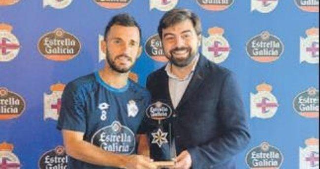 Emre Çolak Deportivo'da ayın futbolcusu seçildi
