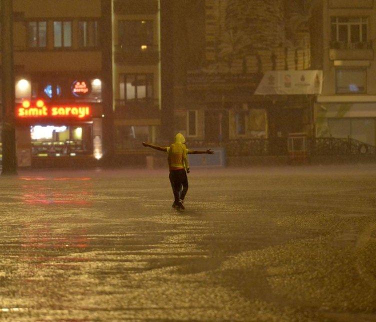 İstanbul güne yağmurla uyandı