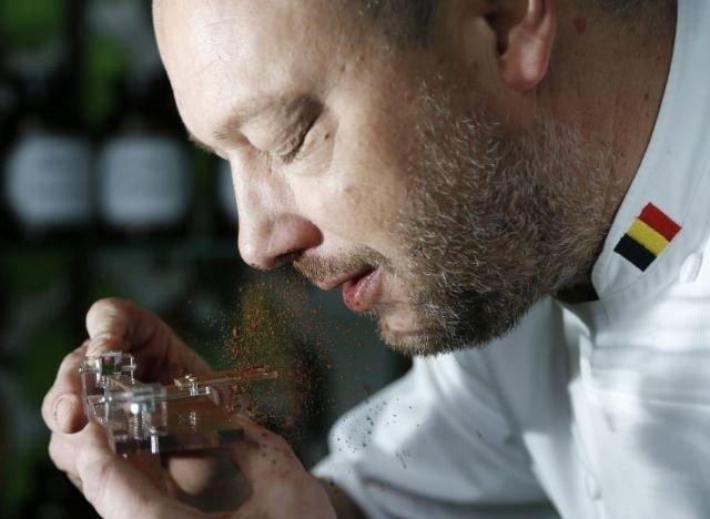 Belçikalı mucit, çikolata koklama makinesiyle zengin oldu