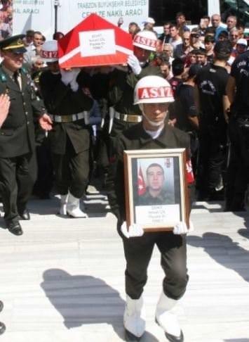 Trabzon şehidini uğurladı