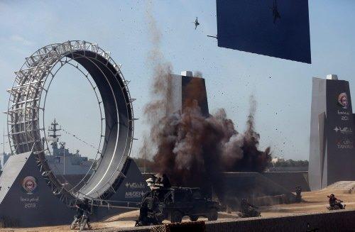 Abu Dhabi'de 11. Milletlerarası Savunma Sanayi Fuarı