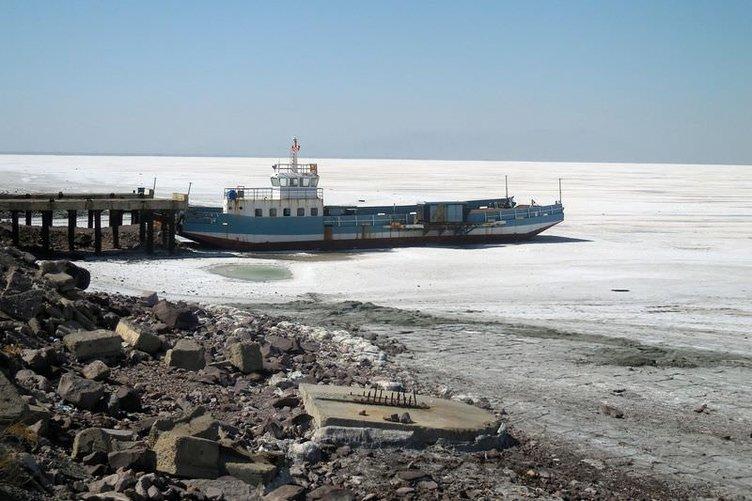 Urumiye Gölü, tuz çölü oluyor