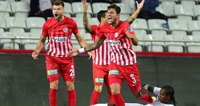 Eto'o'suz Antalya golü unuttu!
