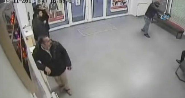 Silahlı banka soygunu kamerada!