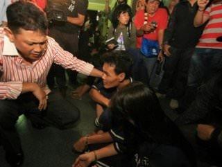 Karısına tecavüz eden adamı öldürüp cinsel organını yedi