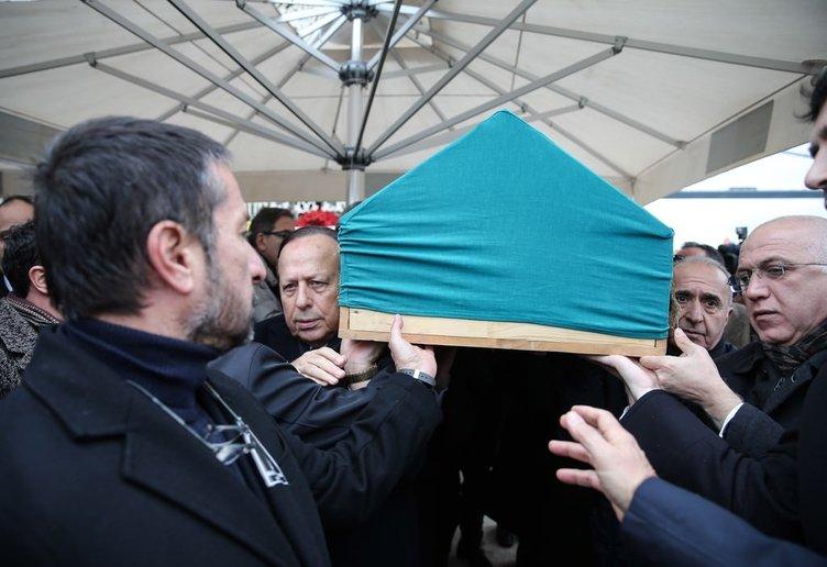Halis Toprak'ın cenazesi toprağa verildi!