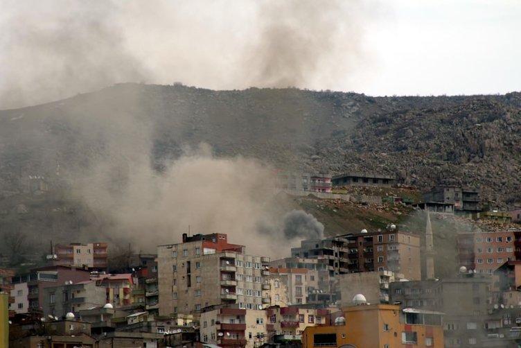 Keskin nişancı PKK'lılara top atışı