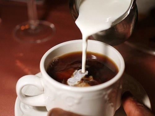 Kahvenizi sütlü tüketin