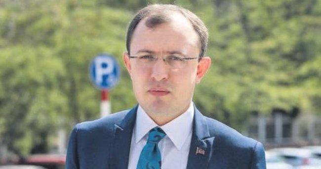 """""""PKK ile PYD'nin yönetim kadrosu aynı"""""""