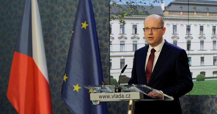 Çekya'da Başbakan Sobotka istifa etmekten vazgeçti
