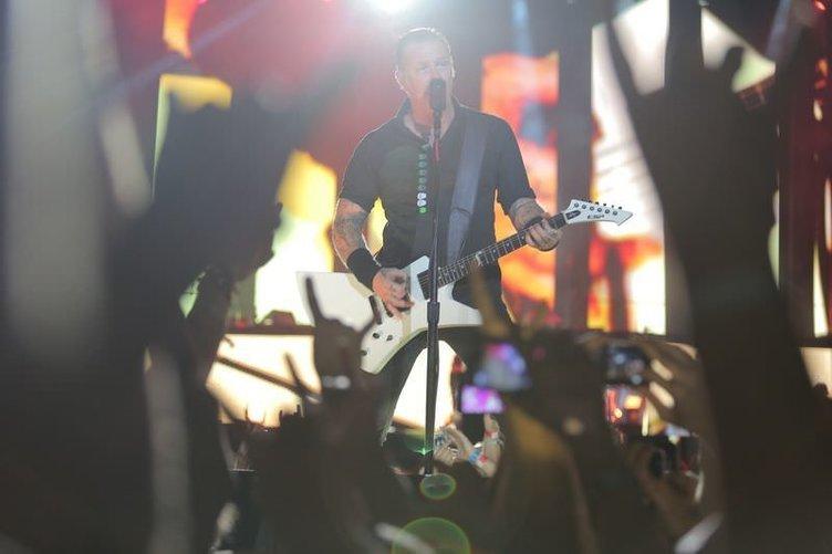 Metallica İstanbul'da  bir kez daha coşturdu
