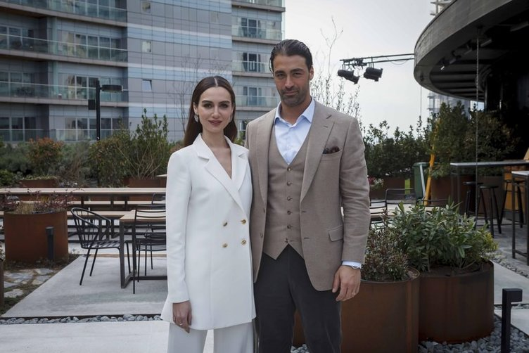 Birce Akalay-Sarp Levendoğlu çifti arbedeye neden oldu