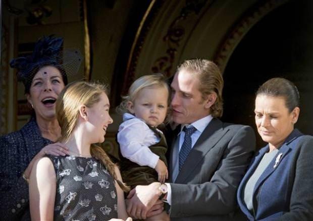Kraliyet bebekleri kapıştı