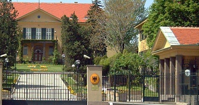 Almanya'nın Ankara Büyükelçiliği önünde protesto