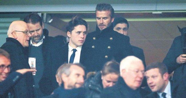 Beckham erkekleri tribünde